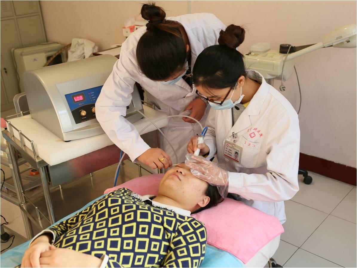 本科室专注于皮肤疾病及面部美容的治疗及研究,我们坚持
